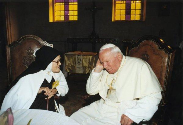 Sor Lucía-y-Juan-Pablo-II