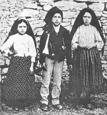 Virgen de Fatima_Jacinta_Francisco_Lucia