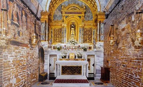 casita de nazaret_loreto-altar