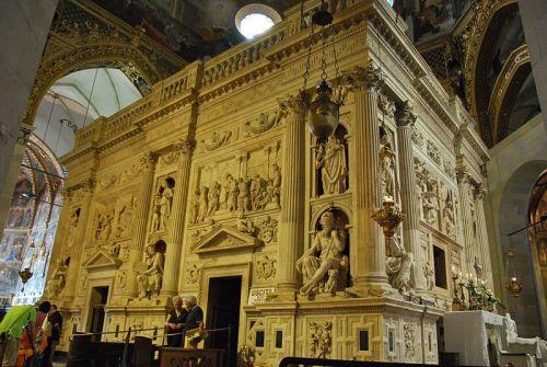 Casita de Nazaret_Santuario_della_Santa_Casa_in_Loreto