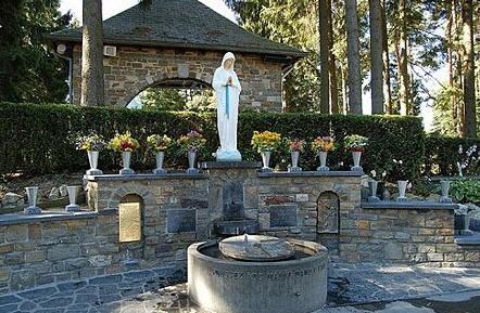 Virgen de los pobres_banneux-santuario