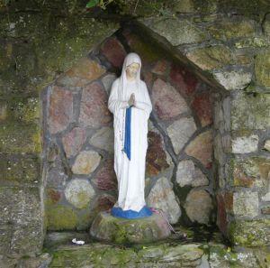 Virgen de los pobres_notre-dame_banneux